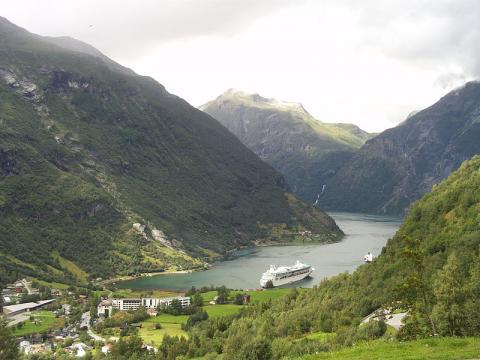 fiordo-en-noruega.JPG